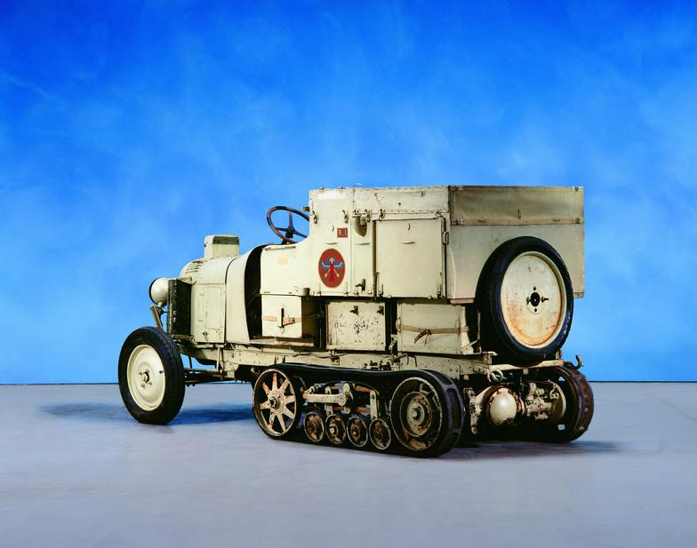 10 HP Type B2 tracked vehicle - Black Cruise in 1924