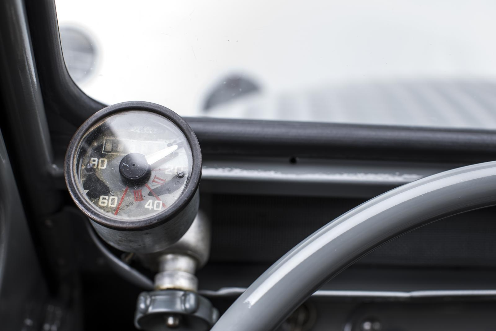 2 CV mini van speedometer