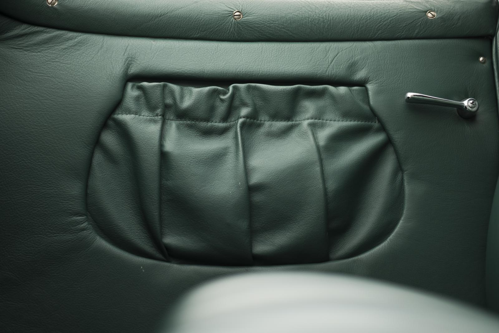C4G Roadster - Leather Storage