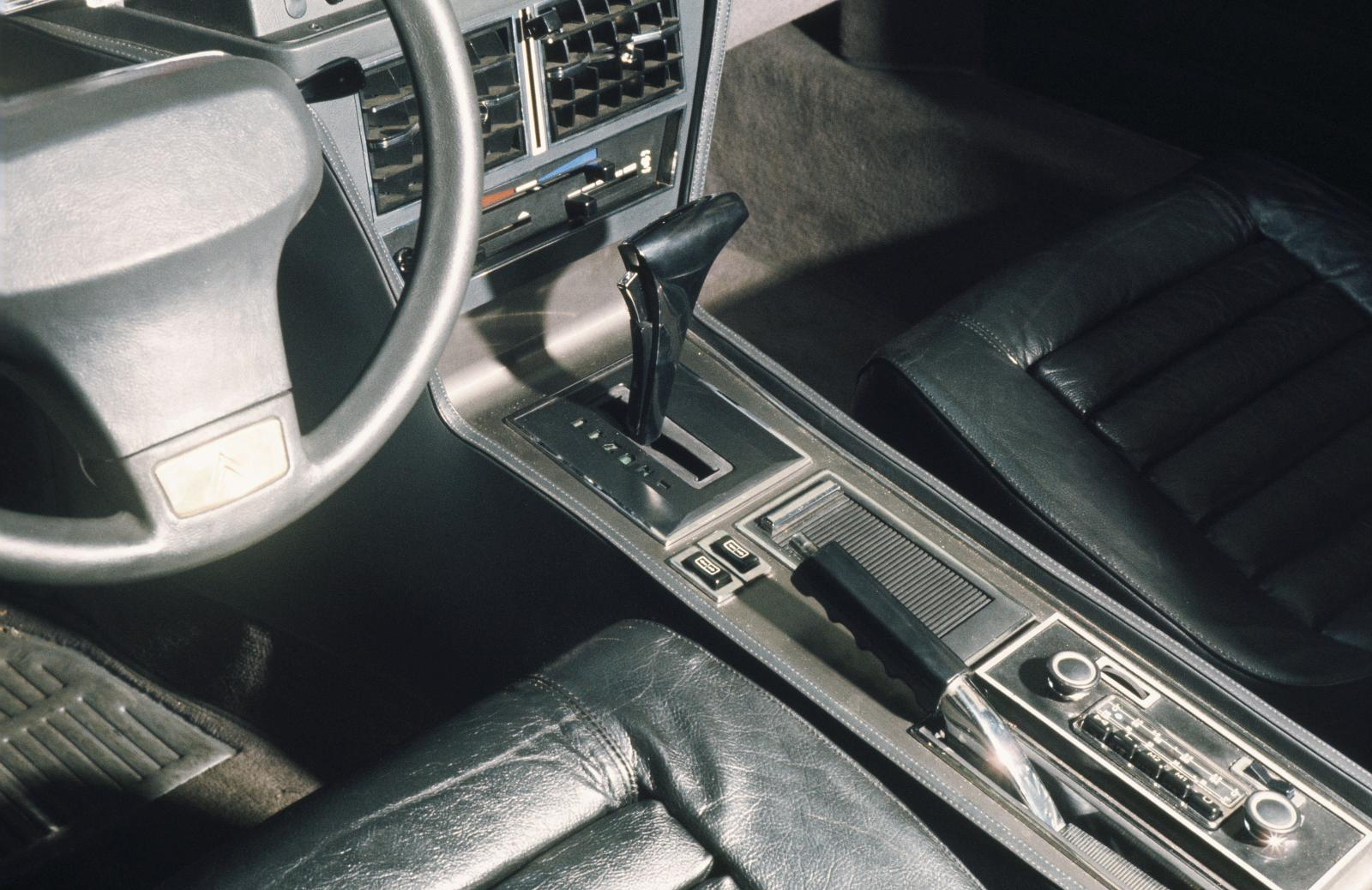 Presidential SM - Gear box and steering wheel - 1972