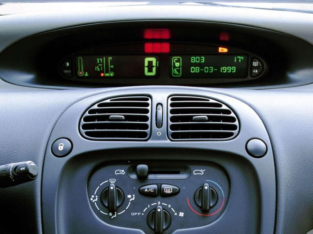 Xsara Picasso 1999 dash car